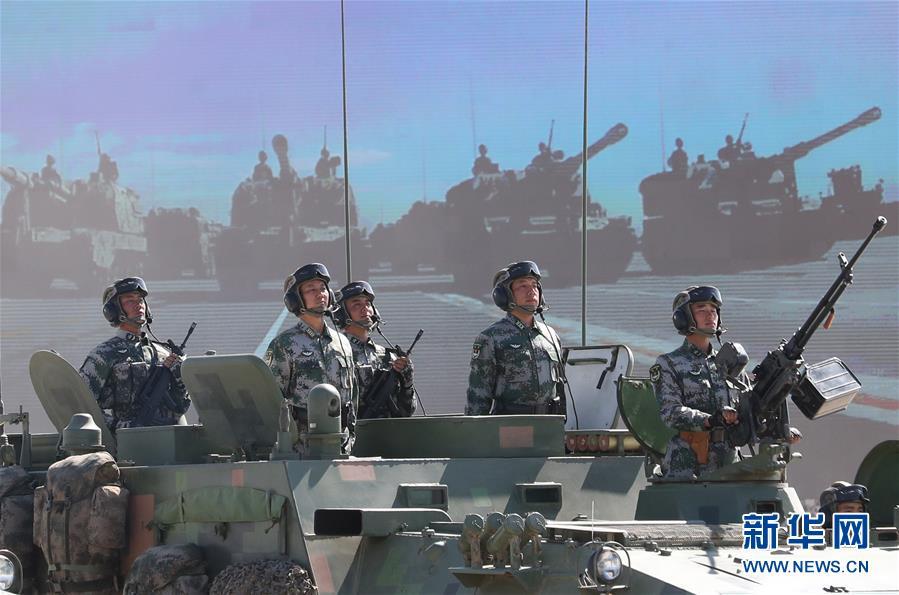 八一沙场阅兵